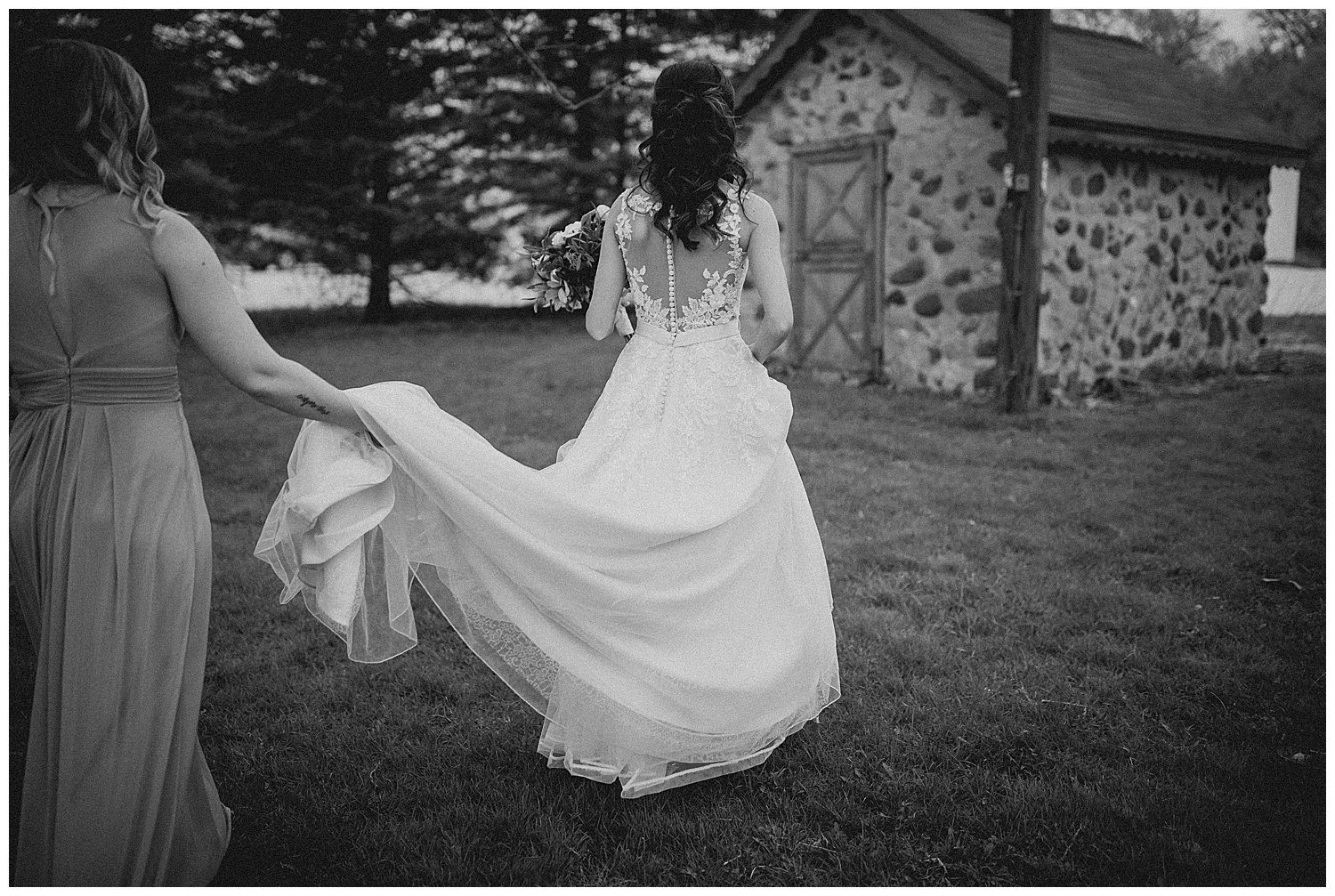 WISCONSIN WEDDING PHOTOGRAPHER 107.jpg