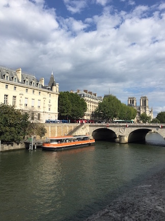 It's in-Seine that summer is already over.