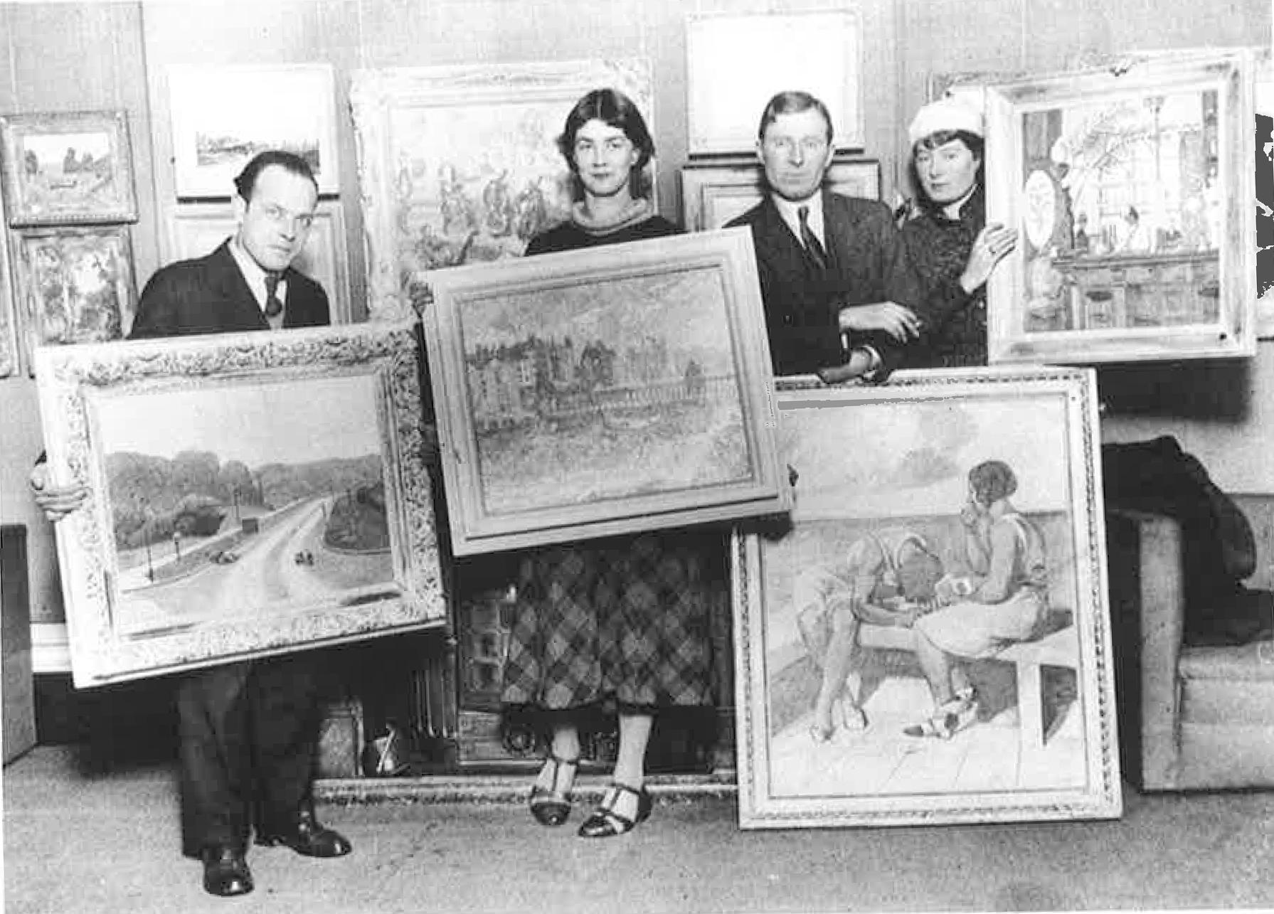 Elwin-Hawthorne-Phyllis-Bray-John-Cooper-Brynhild-Parker-at-Lefevre-Galleries-1932.jpg