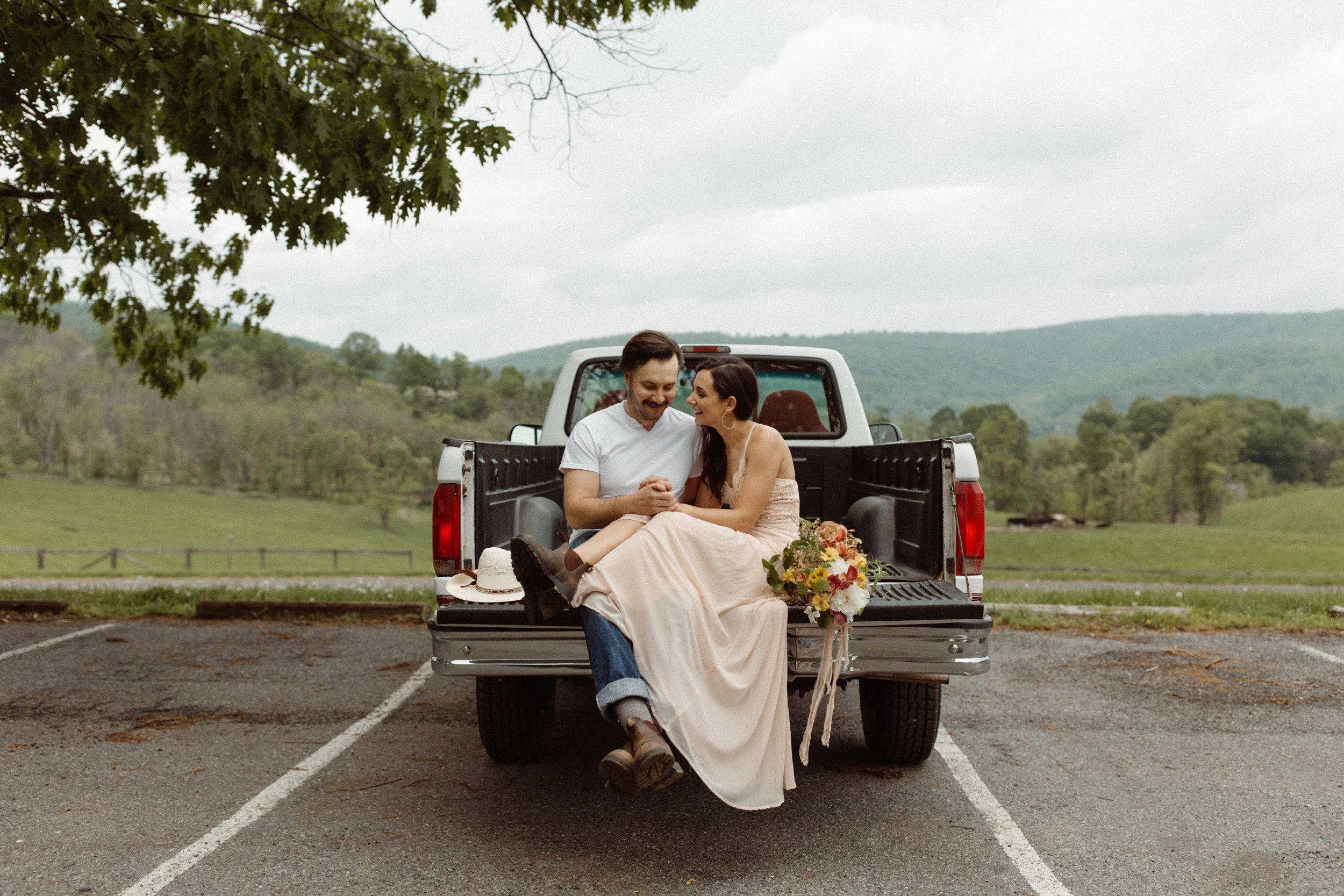 kelsey&mark-engagement-skymeadows-2019-peytoncurry-8437.jpg