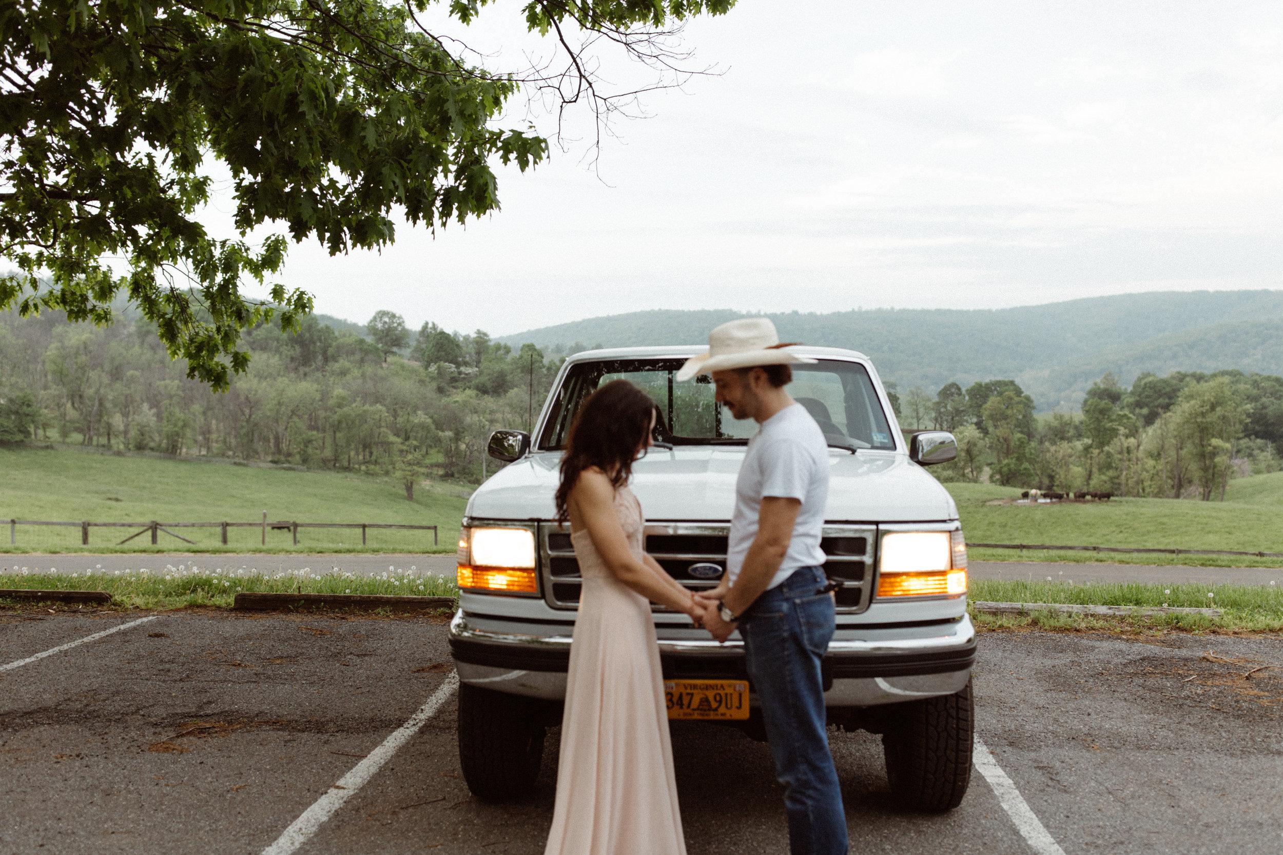 kelsey&mark-engagement-skymeadows-2019-peytoncurry-0247.jpg