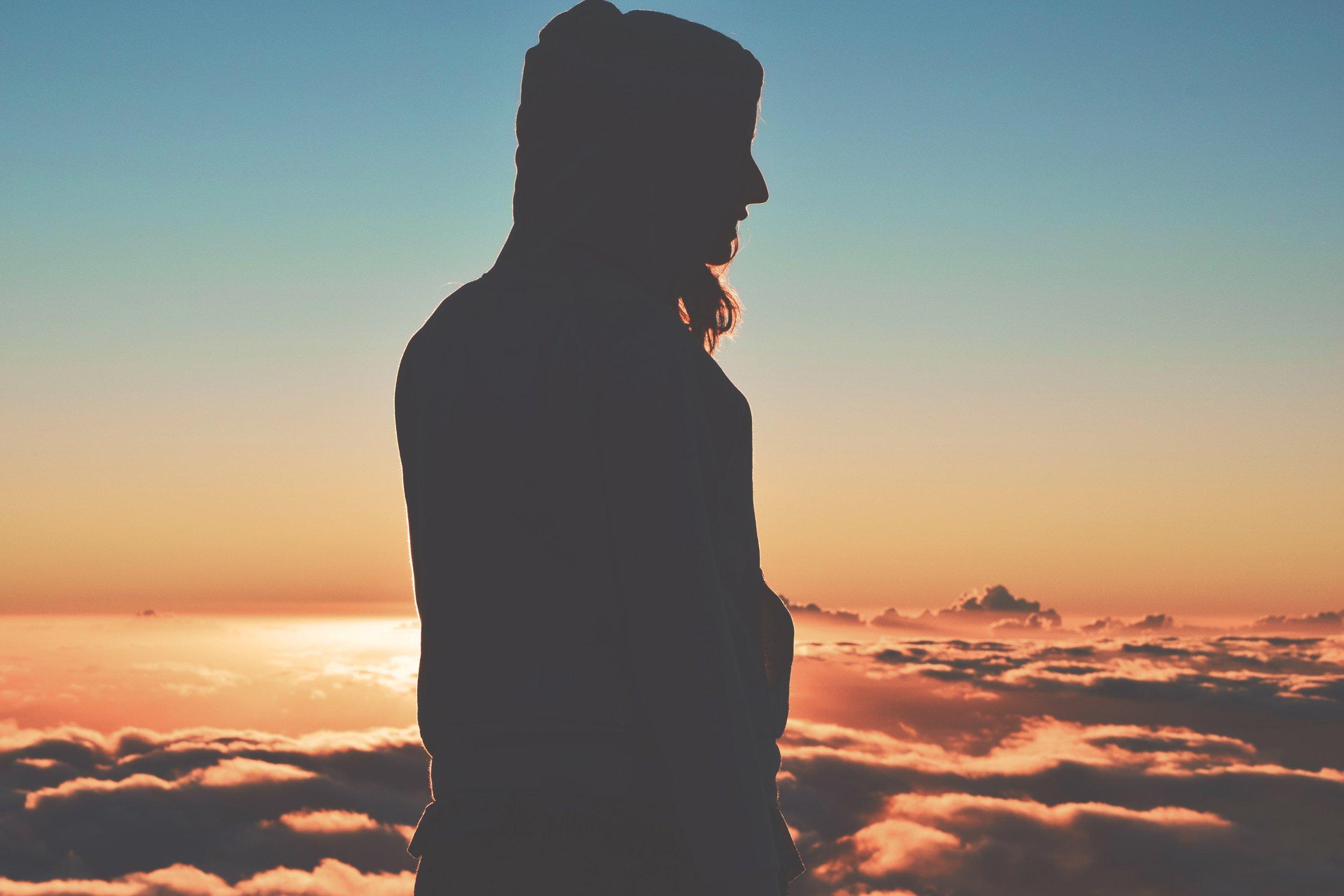 backlit-clouds-cloudscape-618463.jpg