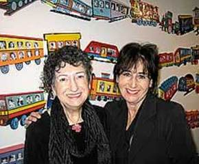 Sculpture by Gabriella Karin (Left). Michelle Gold (Right)