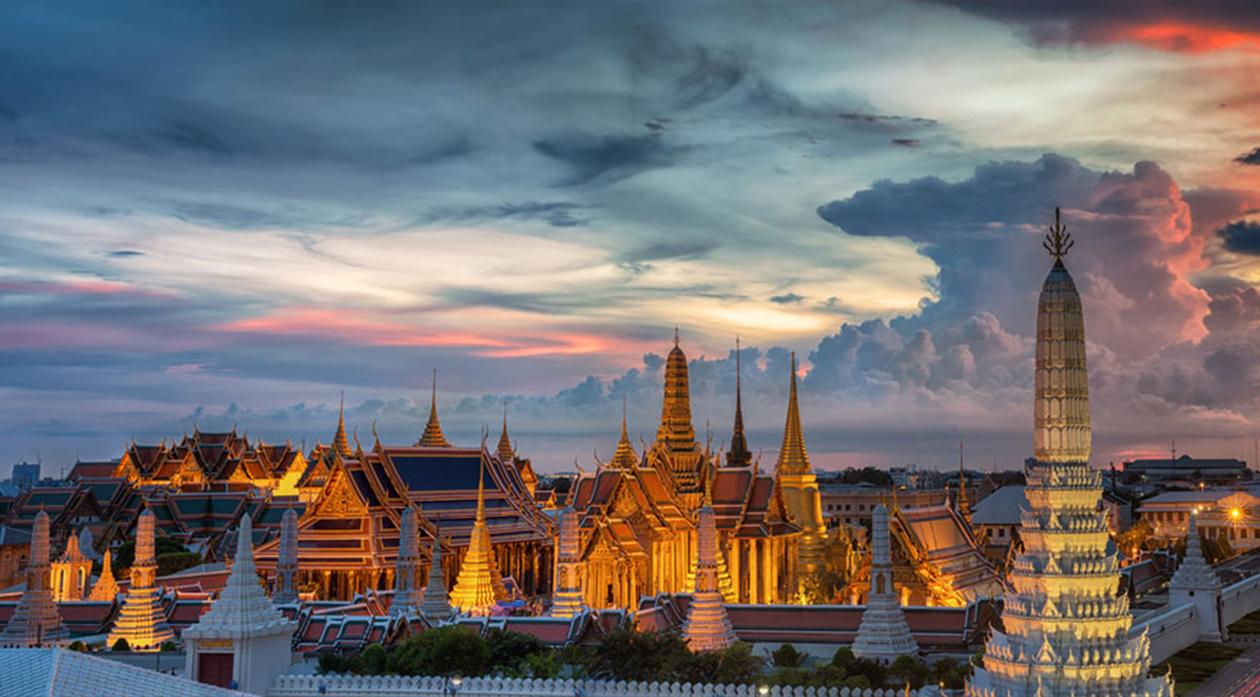 grand-palace-bangkok-wat-phra-kaew-night-onarto.jpg