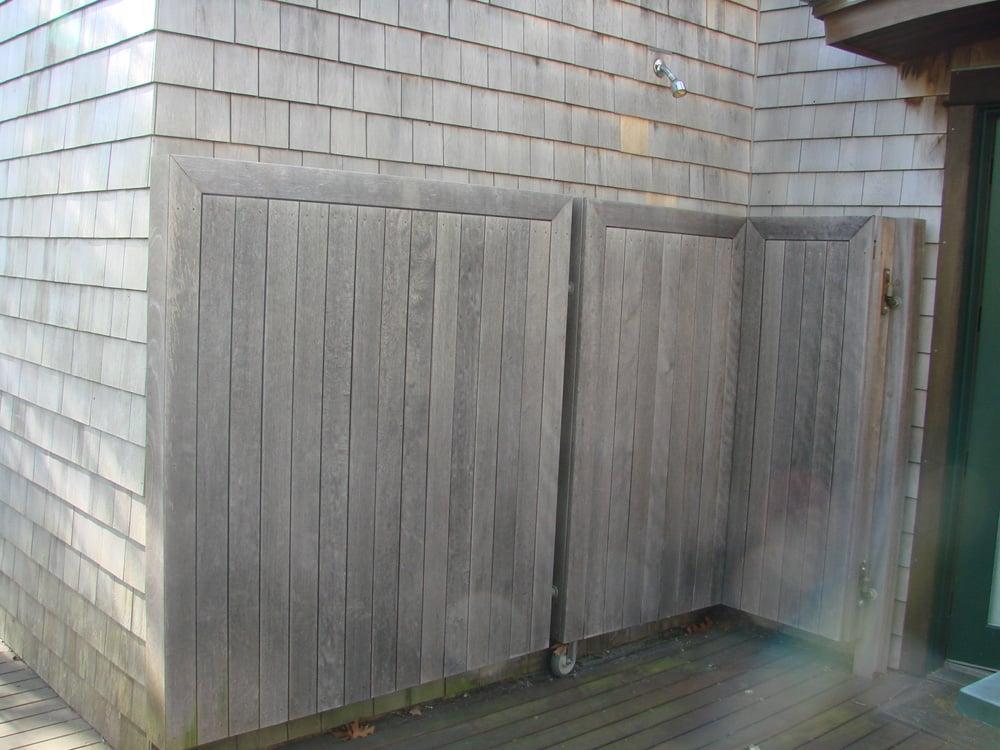 1- Outdoor Shower Closed.jpg