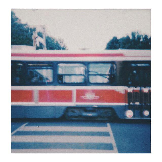 beep beep 🚃 #streetcar #toronto #torontofilm #torontostreets #ttc #600film #polaroid #polaroidlove #instantphotography #polaroid600
