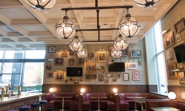 AnneBoleyn-interior-1505268100-1200x800.jpg