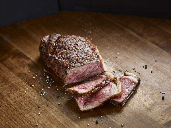 Hy's features Prime grade steaks