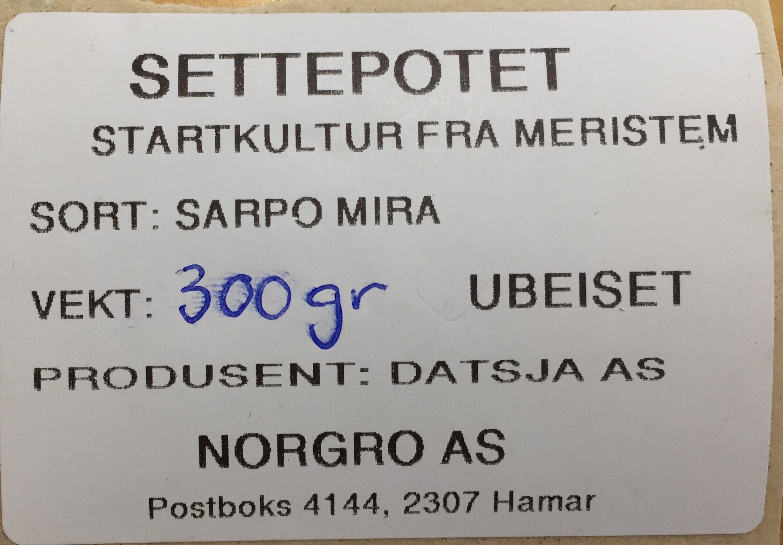 Etikett. Foto Anders Nordrum