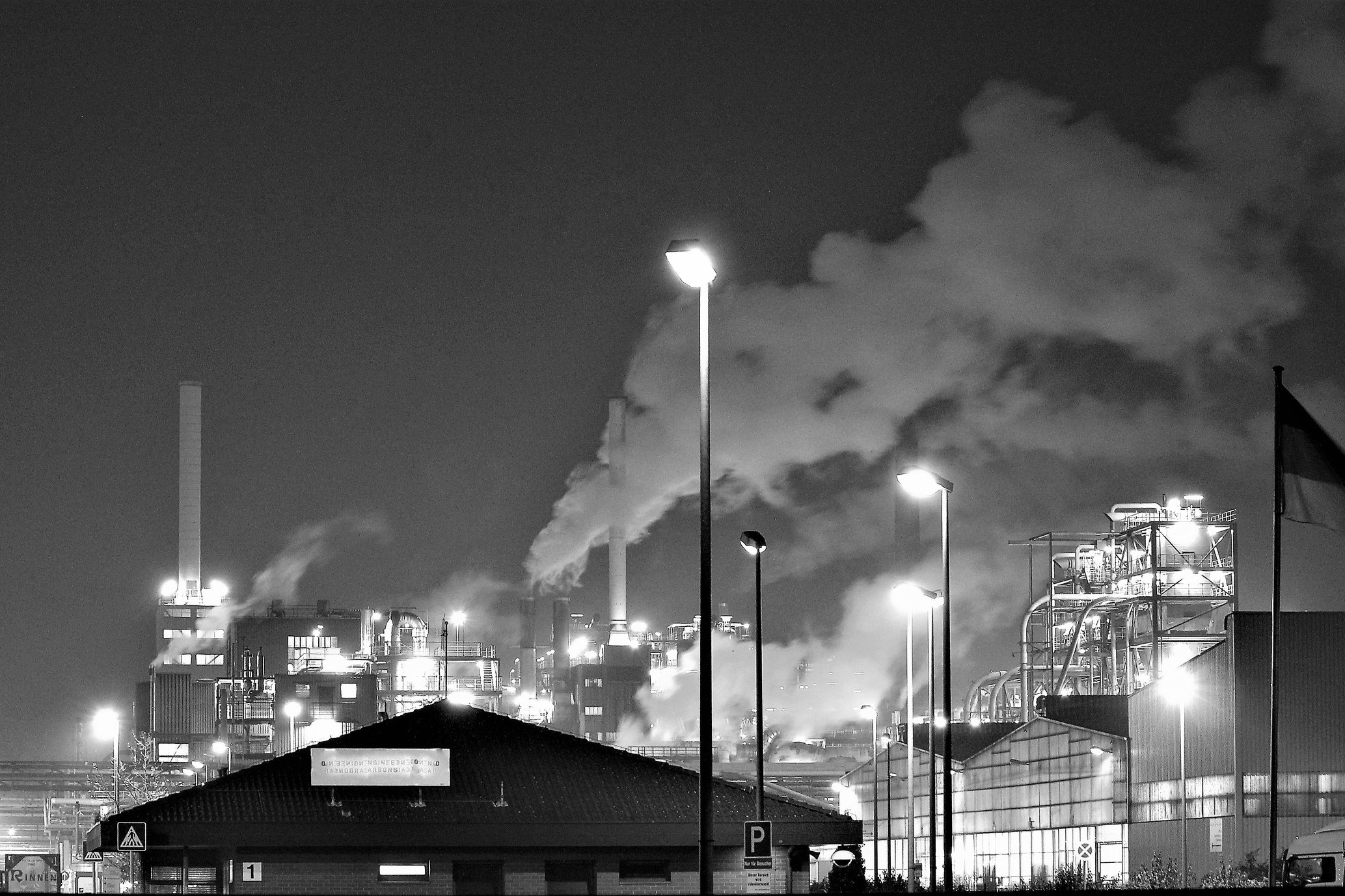 air-pollution-architecture-black-and-white-683535.jpg
