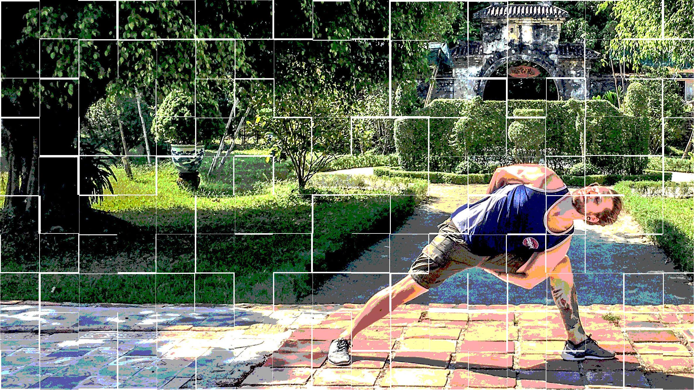 KARIM - Si le yoga était uniquement fait pour les personnes flexibles, alors Karim ne serait pas devenu un professeur et un passionné de yoga. Il découvre le yoga en 2012, à Lausanne, au hasard des rencontres. Pratiquant d'abord la discipline pour ses bienfaits physiques, il réalise que la pratique des asanas calme son esprit et l'aide à gérer son quotidien.Après deux ans de pratique, Karim se forme à l'enseignement du Hot Yoga auprès de l'école Absolute Yoga à Amsterdam en 2015.
