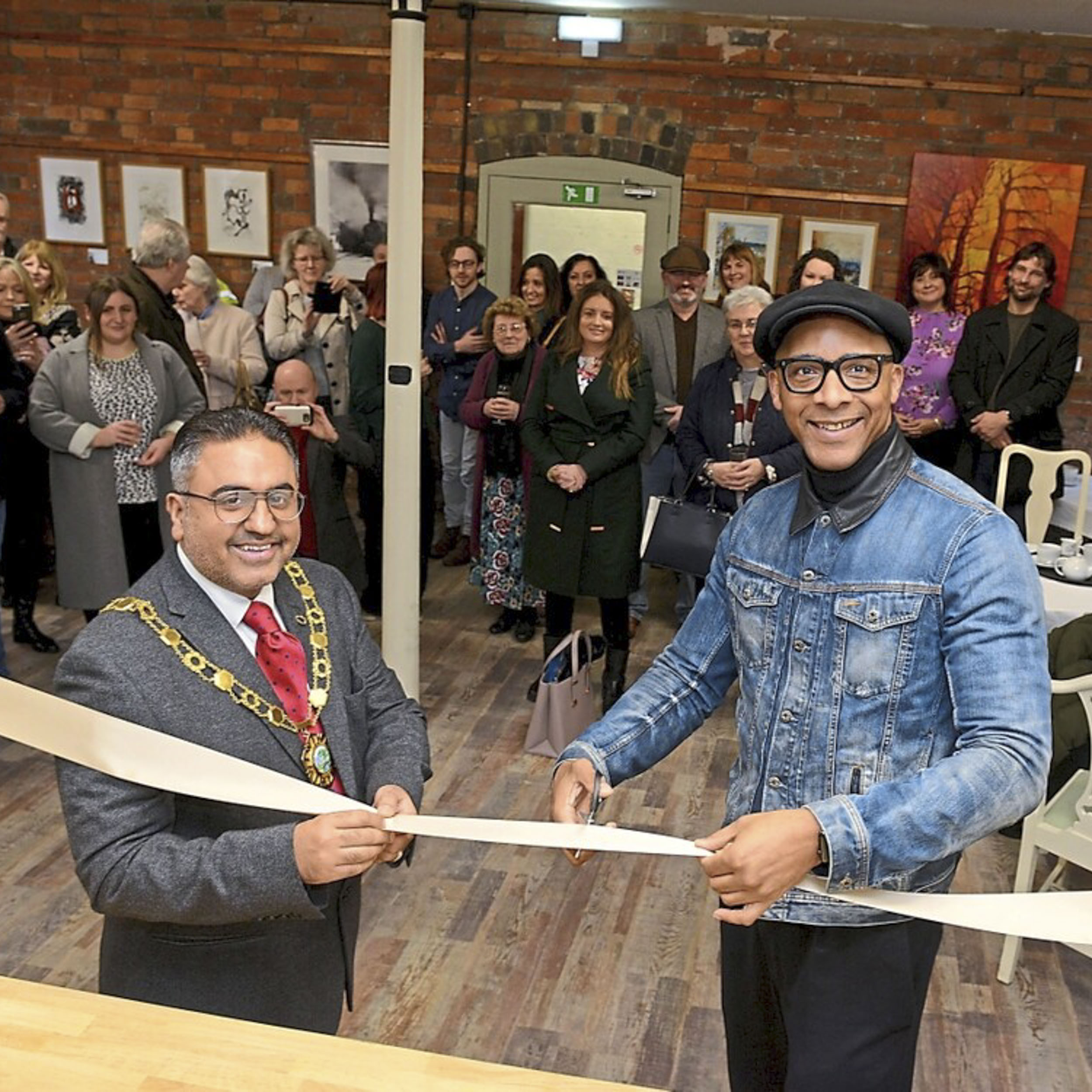 Maws Craft Centre - It was really thrilling to be asked to help at the opening of the Tile Press Cafe at the Maws Craft Centre in Ironbridge; Maws Trading has been re-invigorating and re-launching the venue as a creative hub for Shropshire, and giving the opportunity for amateurs and professionals alike to come together under one roof to make things, share skills and sell products. We need to support such initiatives and make sure more of them open up across the UK.