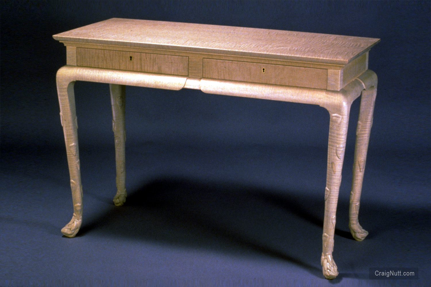 White Asparagus Table With Drawers