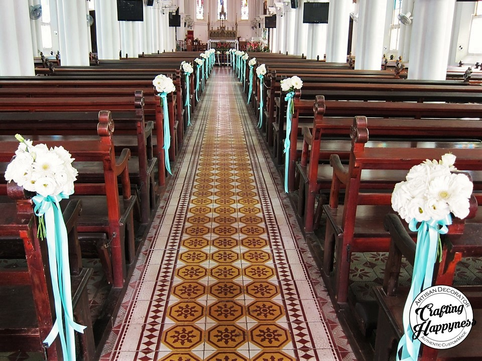 Baby S Breath Pew Ends Www Buttercupflowers Co Uk Church Wedding