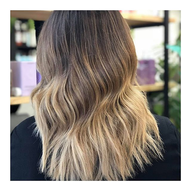 || BISCUIT BLONDE HIGHLIGHTS | Perfect way to change up your blonde this winter and go for a more soft subtle tone 😍 || . . #clayfieldhairdresser #blkavehair #brisbanesbestsalon #brisbanesbesthair #blackavenuehair #brisbanehair #brisbanesbesthairdressers #colourmelt #blackavenuehairdressing #whiteblonde #ombre #babylights #balayage #blonde #colorme #colormebykevinmurphy #colourmeltblkavehair #eleven #sachajuan_anz #hairtrends2019
