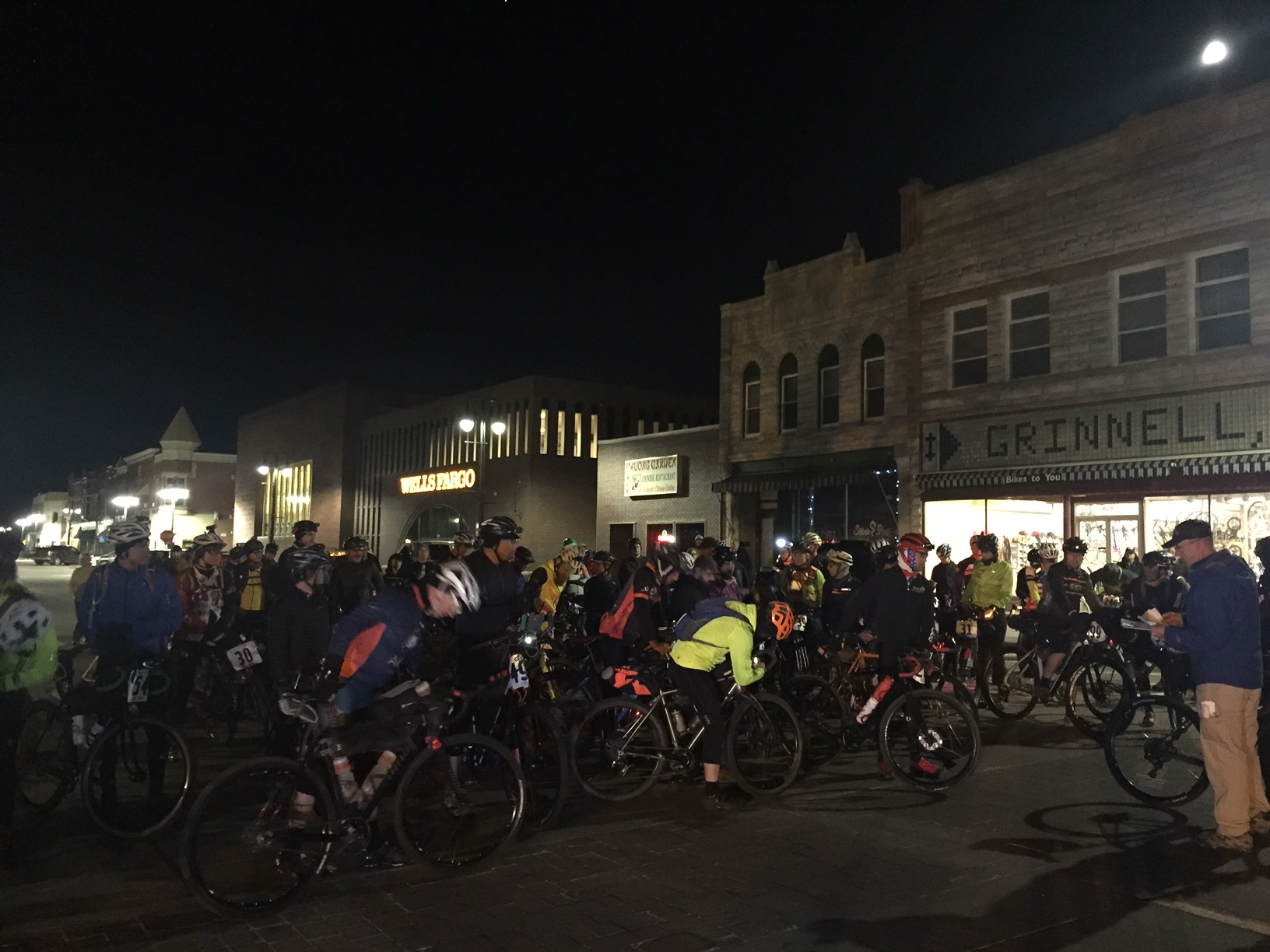 The race start in front of Bikes to You in Grinnell, Iowa was full of jitters and nervous laughter. Thankfully, conditions were beautiful at 4am. Photo by Kristen Legan