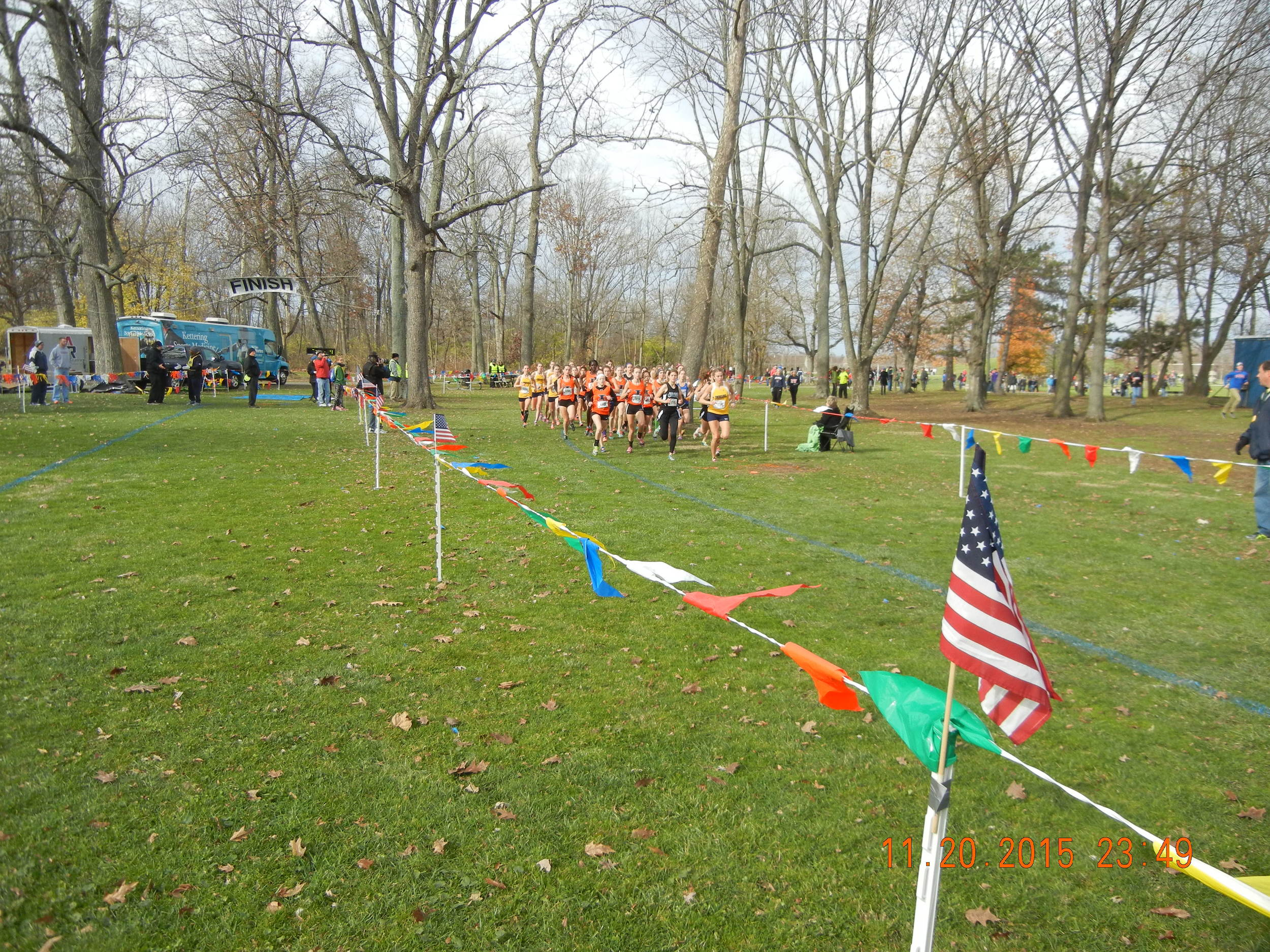Start of the girls race