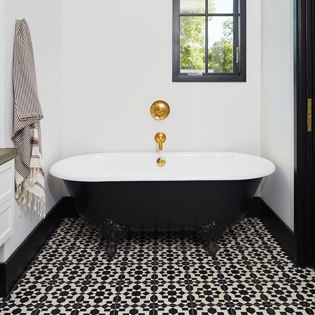 Week. End. This week is finally over and some fantastic clients are spending their first night in their new house. This bathtub feels like the right spot to rest our eyes and minds and reflect on the journey our clients trust to take with us, and the things we get to build together. We're soaking in gratitude. 📷 by @robert_gomez tub by @signaturehw . . .  #kohler #kohlerpurist bathroomdesign #bathtubgoals #hatchworks