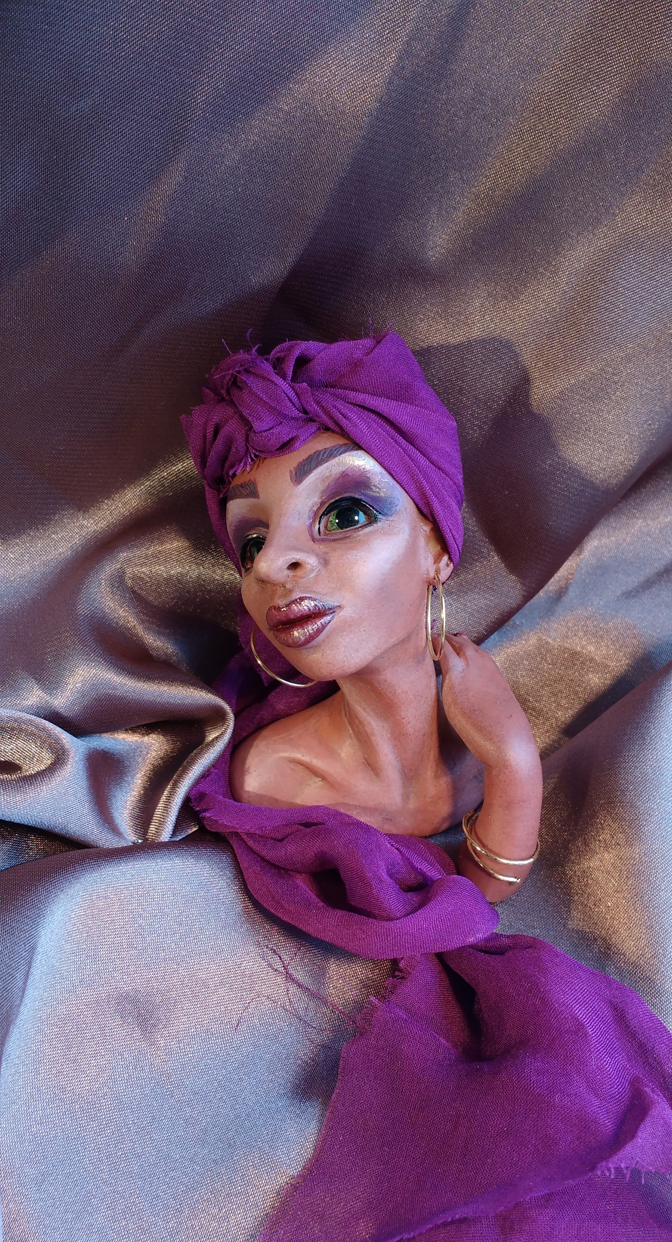 Drag Queen with headscarf