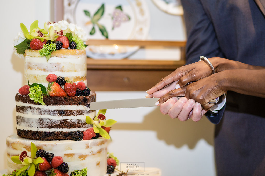 27 Philadlphia Wedding Intimate Wedding Cake Cutting Rittenhouse Aribella Events.jpg