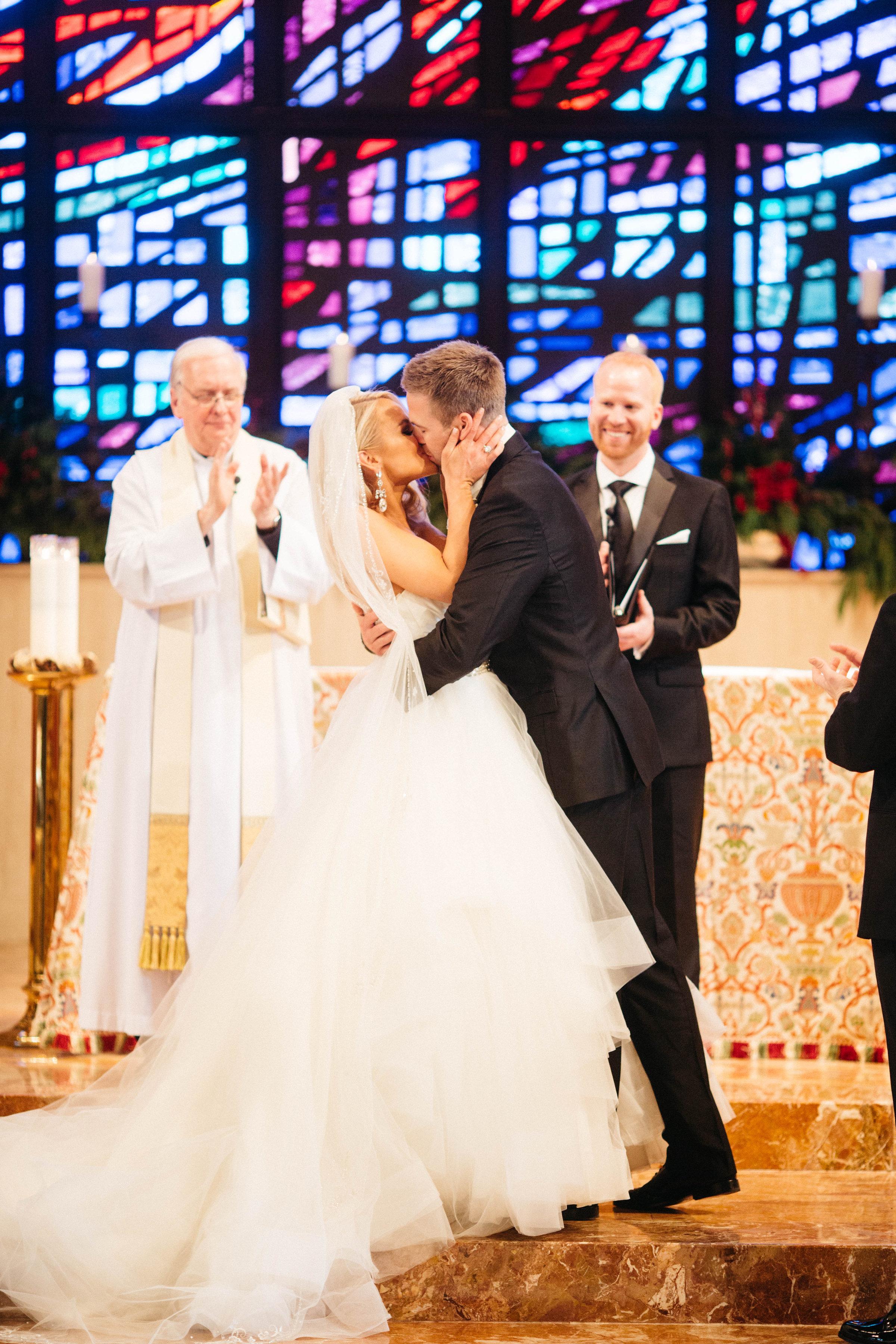 20 New Years Eve Wedding Ceremony Kiss.jpg