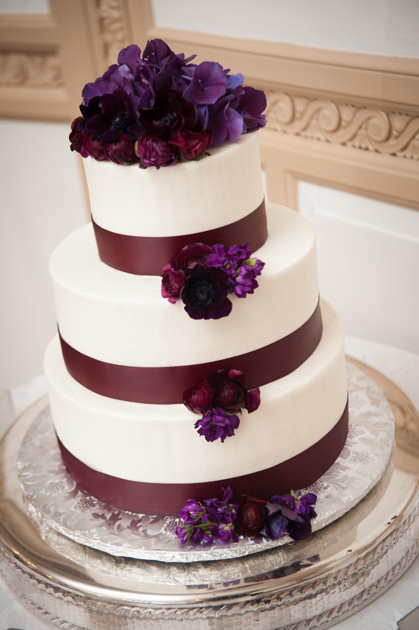 32 Eggplant Accent Wedding Cake Winter Wedding.JPG