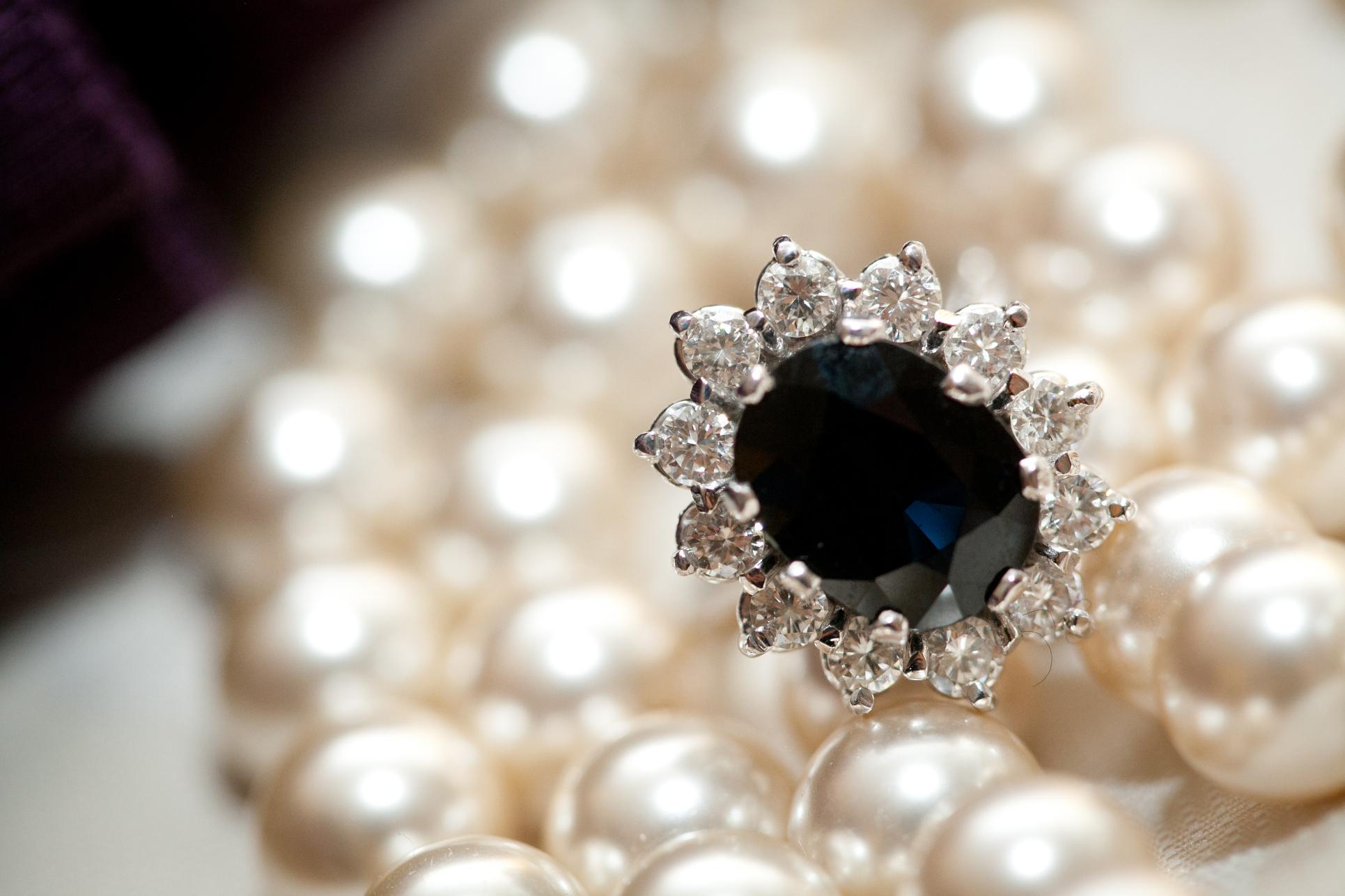 03 Downtown Club Brides Jewelery Details.JPG