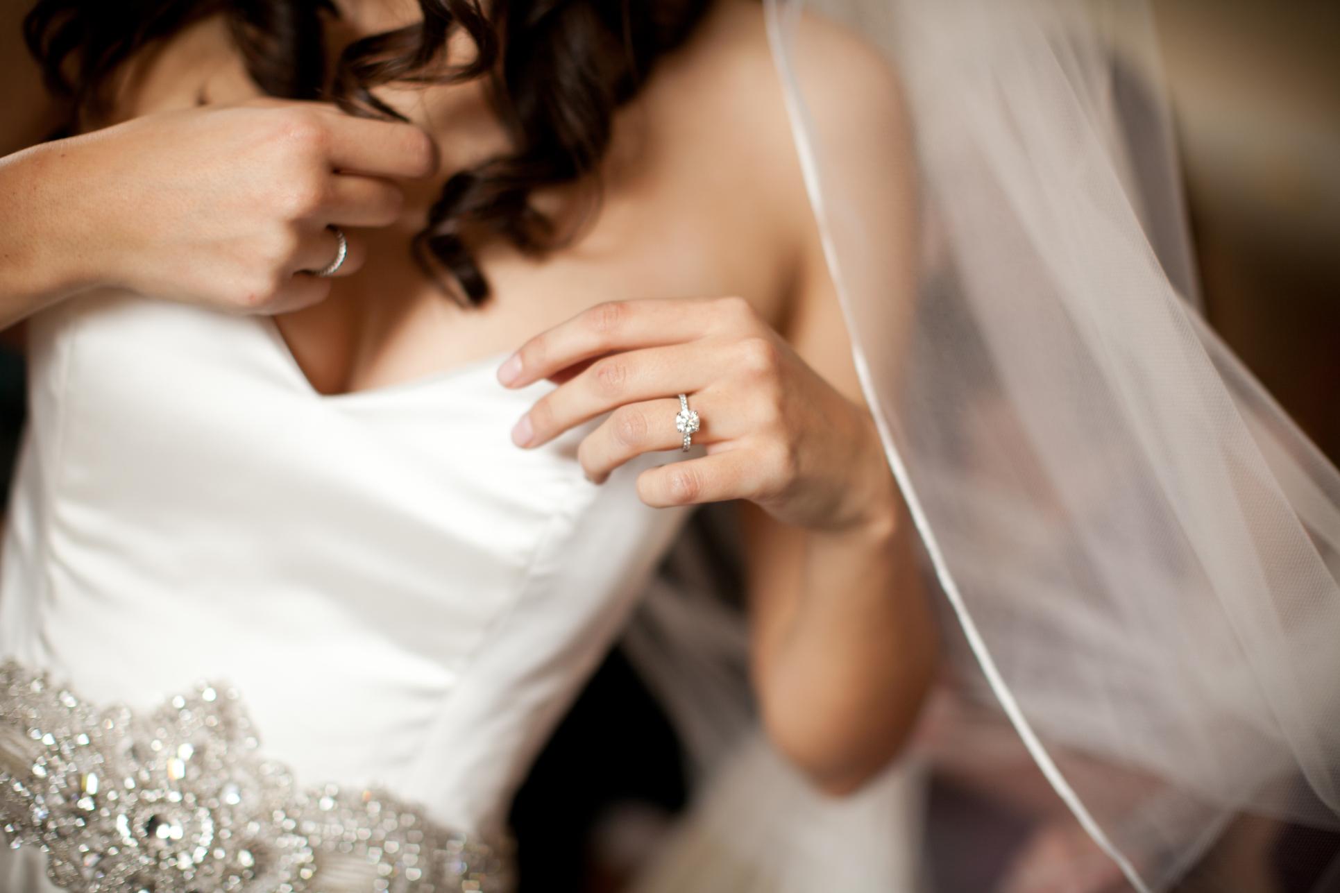 05 Downtown Club Wedding Omni Hotel Bride Prep.JPG