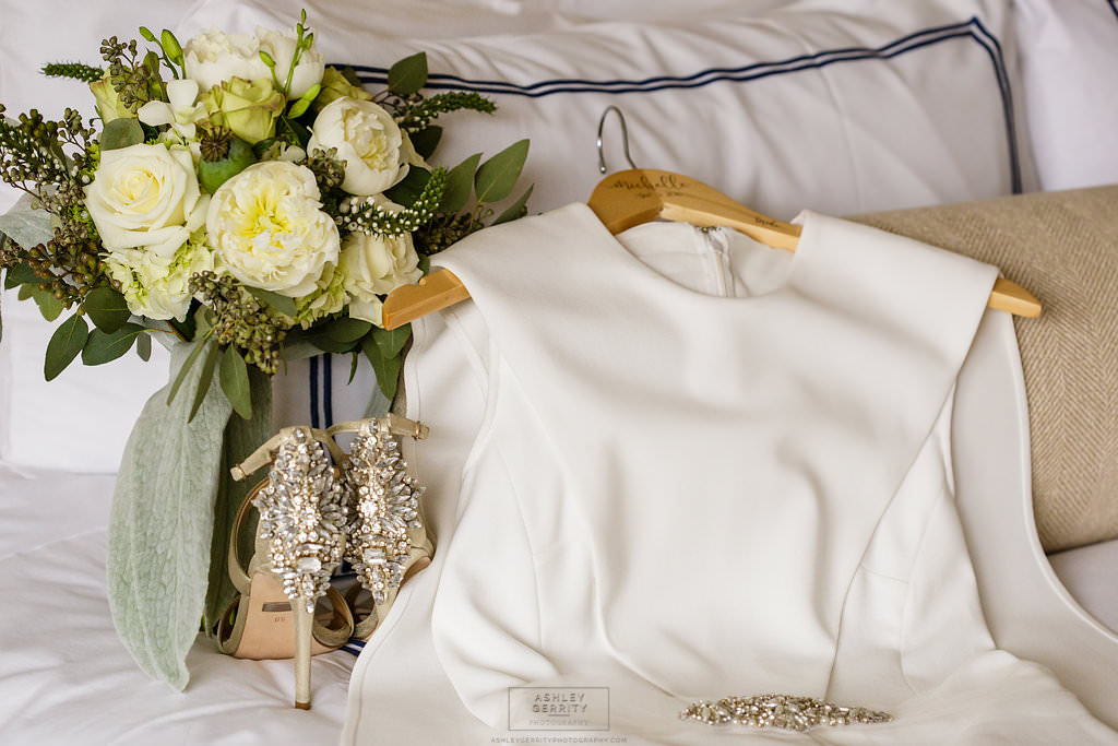 17 Rittenhouse Hotel Wedding Green and White Natural Bouquet.jpg
