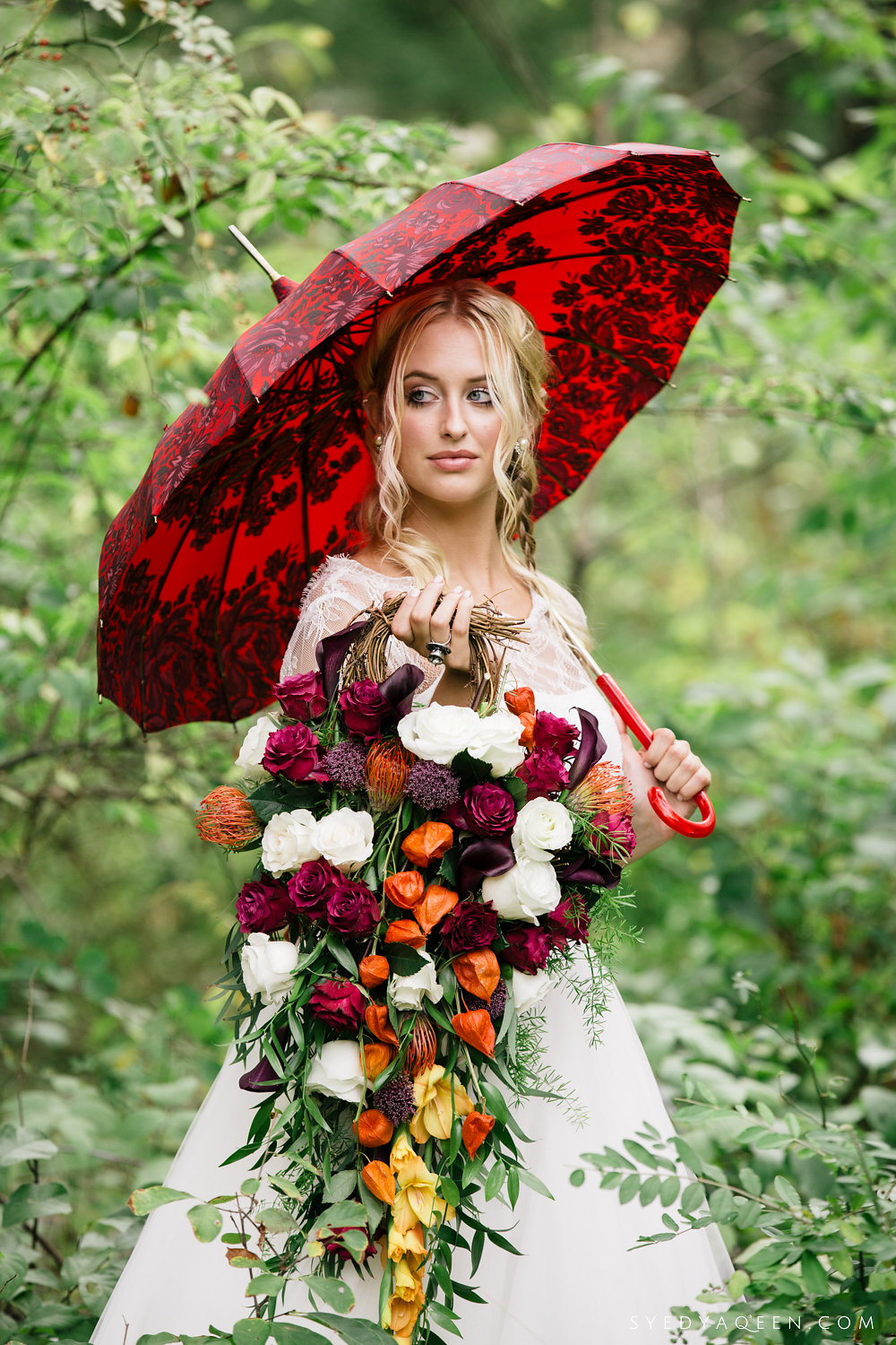 13 Bella Umbrella Teardrop Bouquet Alice in Wonderland Wedding Inspiration Philadelphia Wedding Planner.JPG