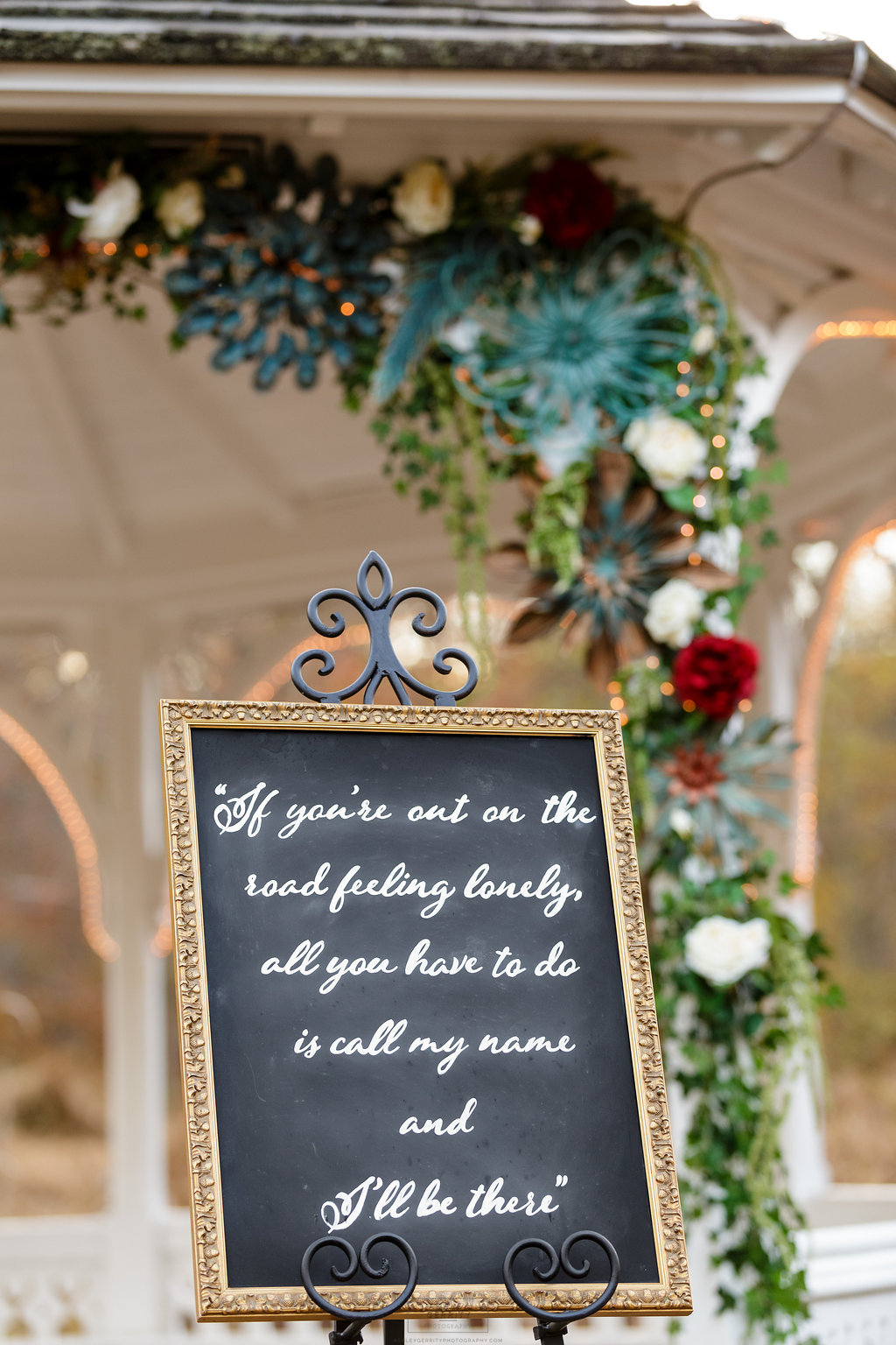 06 Wedding Signage Gilmore Girls Wedding Inspiration Stars Hollow Wedding.jpg
