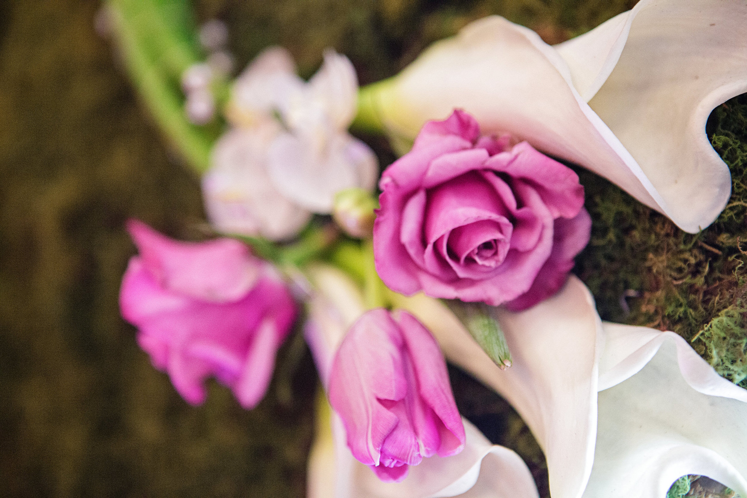 08 Ceremony Flower Wall Radiant Orchid Rose Tulip Calla Lily.jpg