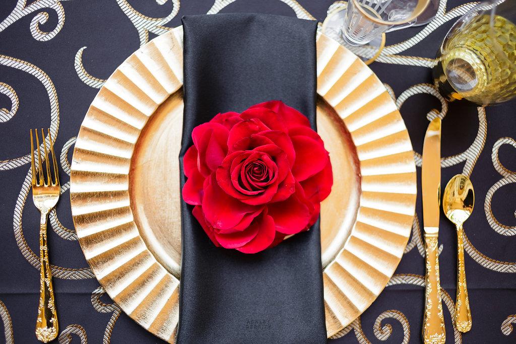 09 Philadelphia Wedding Planner Spanish Rose Place Setting Red Rose Gold Black Rose Philadelphia Wedding Planner.jpg