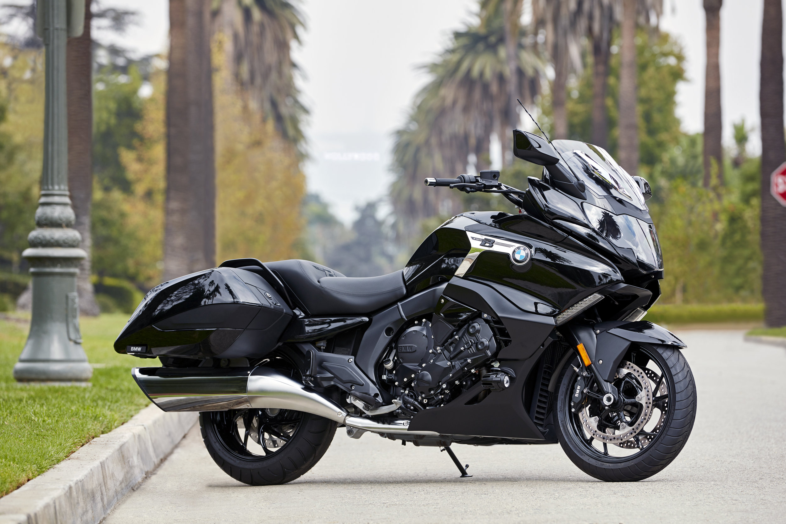 Bmw K 1600 B Unveiled To U S Riders At Progressive International Motorcycle Show In Cleveland Sierra Bmw Motorcycle