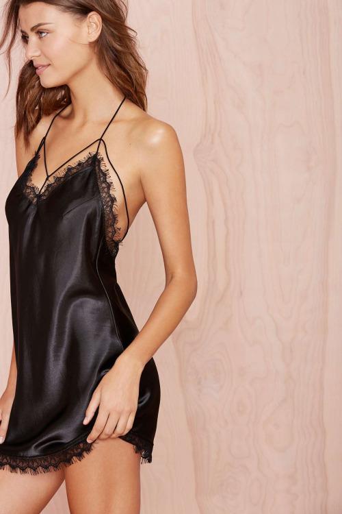 emilia satin chemise - nastygal - $48