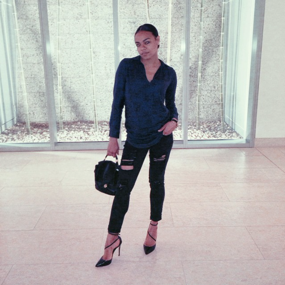 wearing: forever21 jeans and top, vintage black leather bag, Alice & Olivia shoes