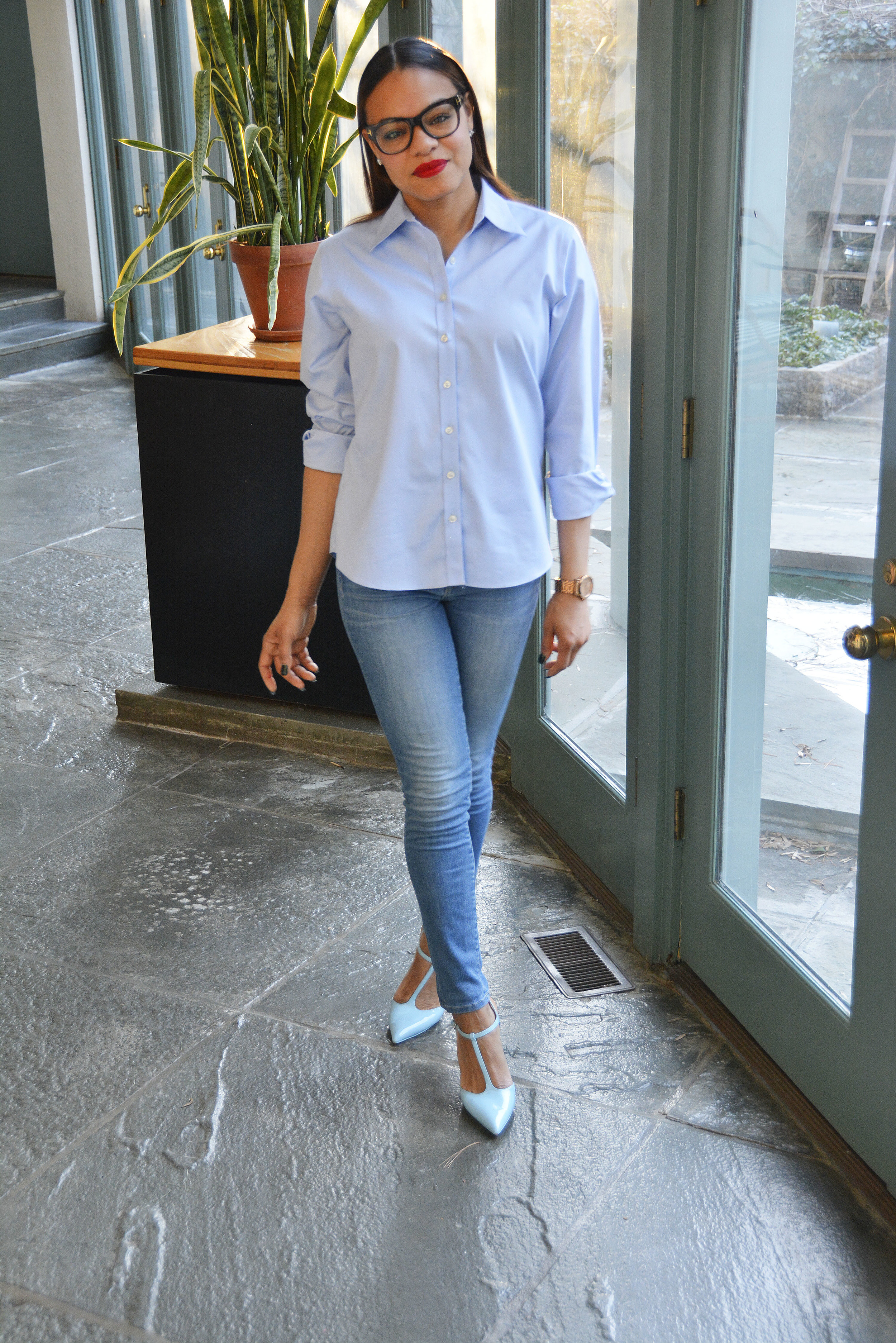 wearing: Zara shoes, Rich & Skinny jeans, Land's End top, Tom Ford eyeglasses, Burberry watch