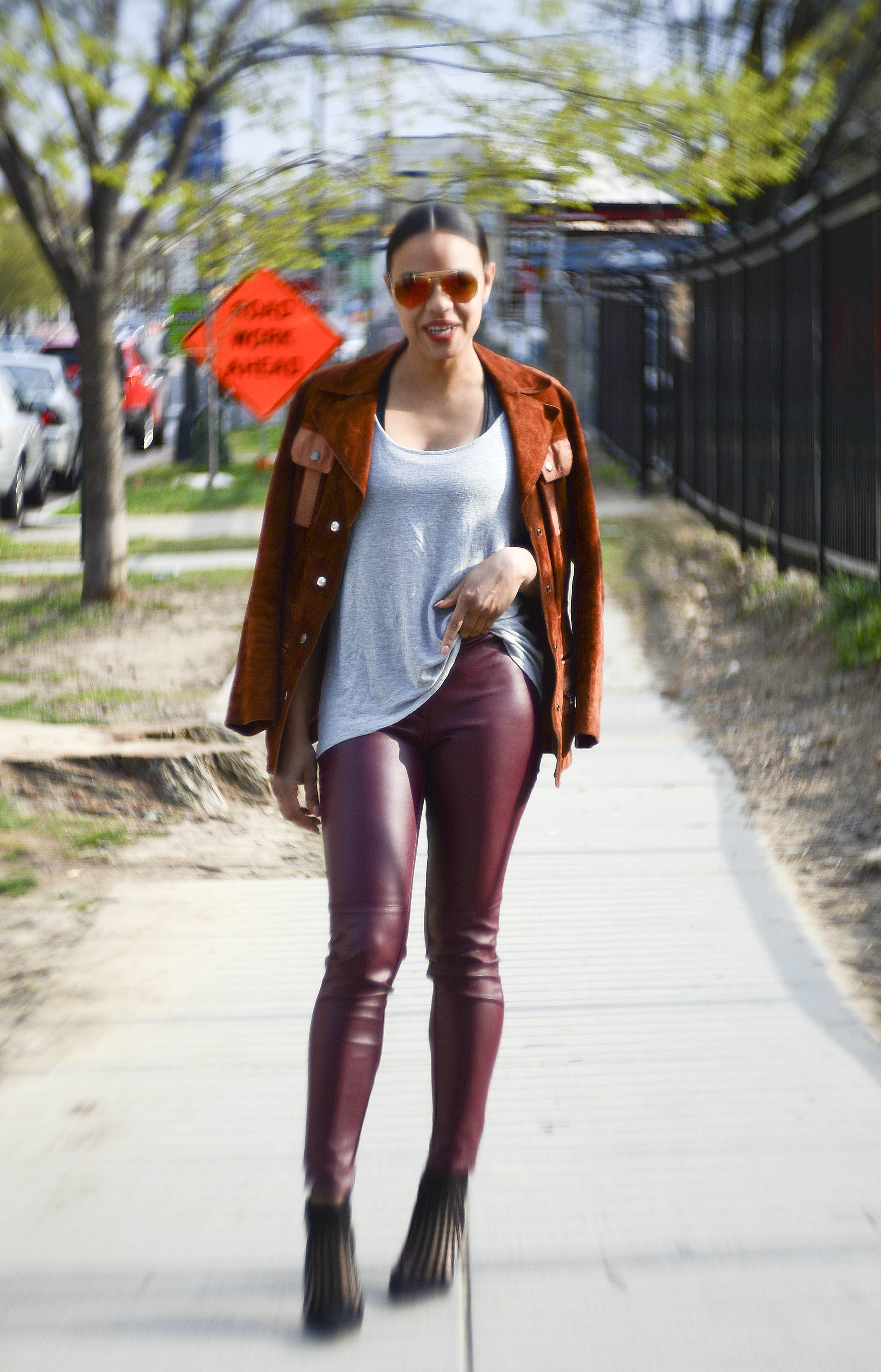 wearing: H&M pants, Forever21 top, Aldo shoes, vintage suede jacket, Ray Ban sunnies