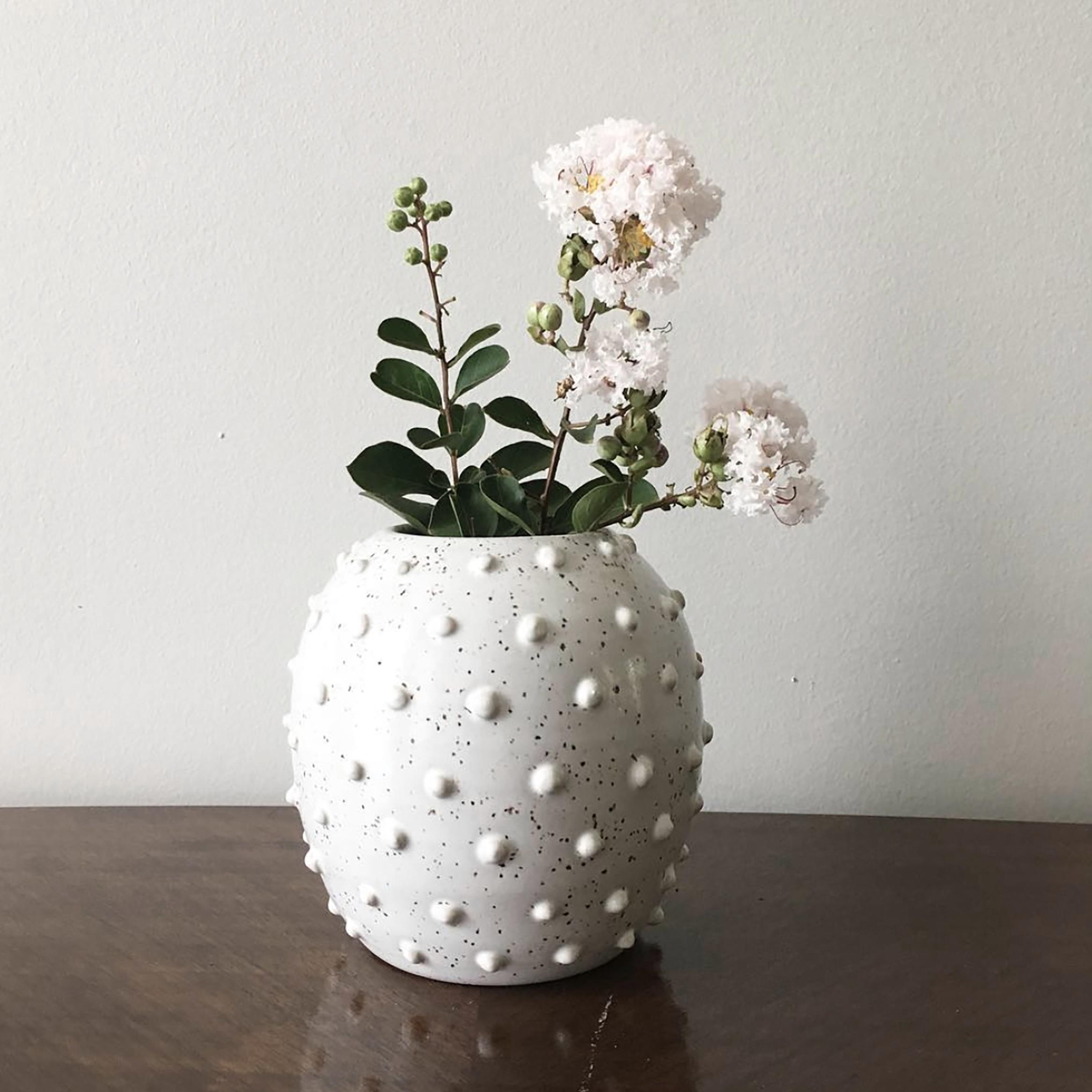 Dotted+Vase.jpg