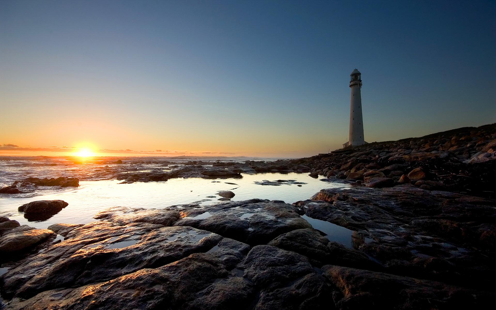 lighthouse-on-the-beach.jpg