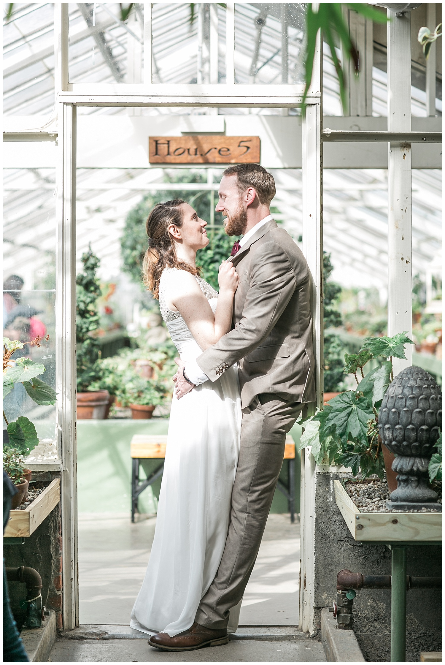 Buffalo Botanical gardens wedding - Buffalo NY Lass and Beau 91.jpg