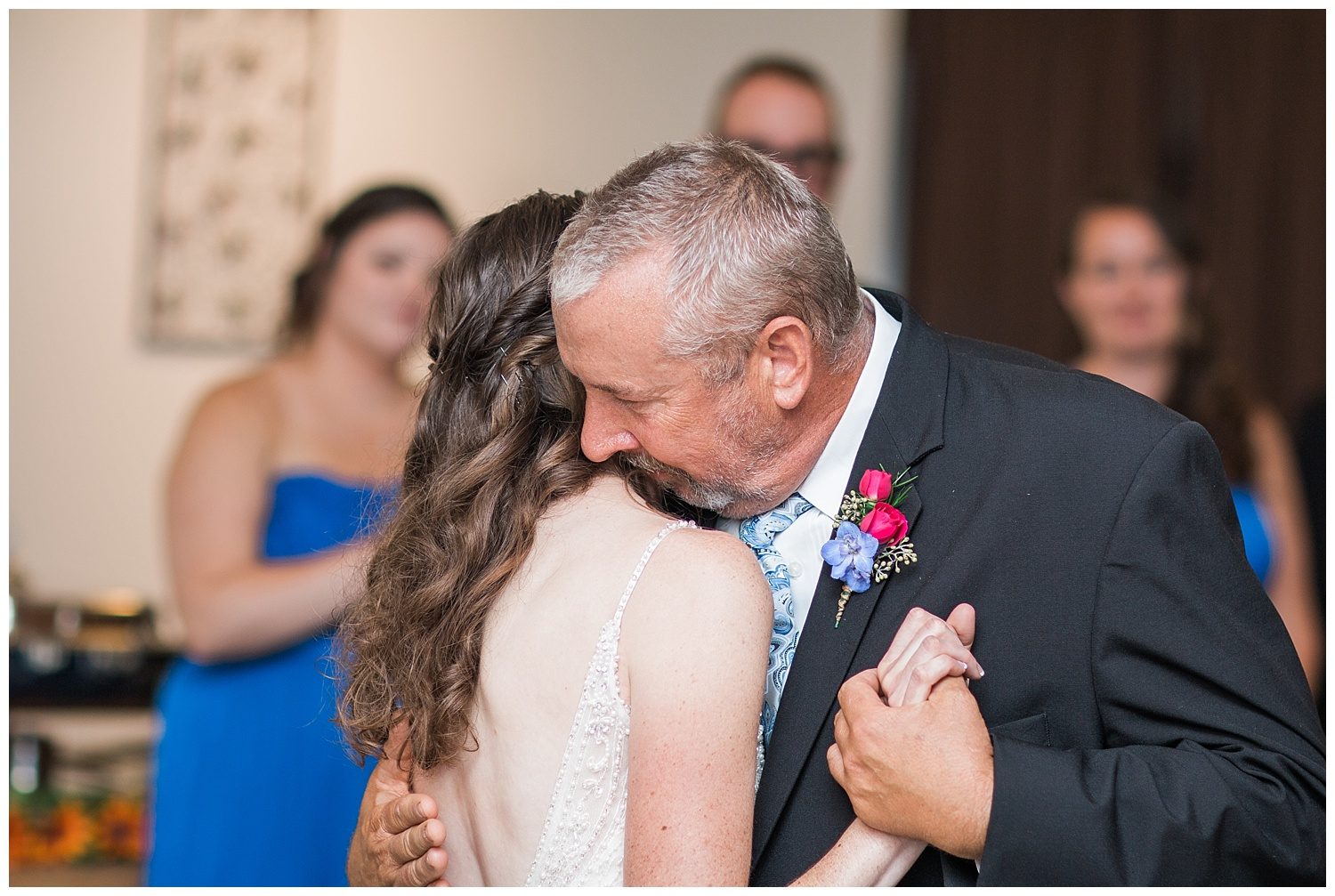 Chris and Leanne Hindle - Nugget Hill - Wayland NY - Lass and Beau-878_Buffalo wedding photography.jpg