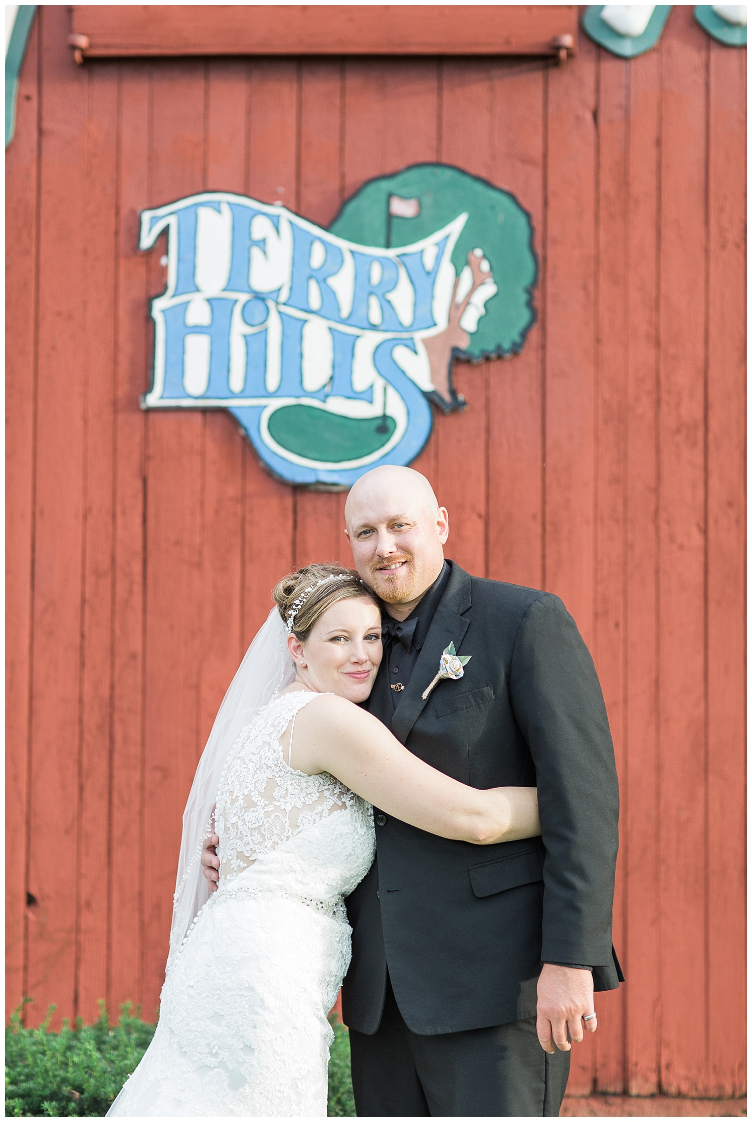 Jessica and Scott McKay - Terry Hills Golf Course - Batavia NY - Lass and Beau-803_Buffalo wedding photography.jpg