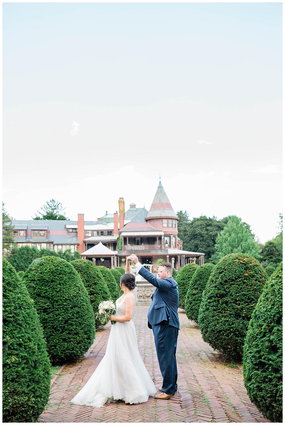 Rachel and Nick - Sonnenberg Gardens Wedding-390.jpg