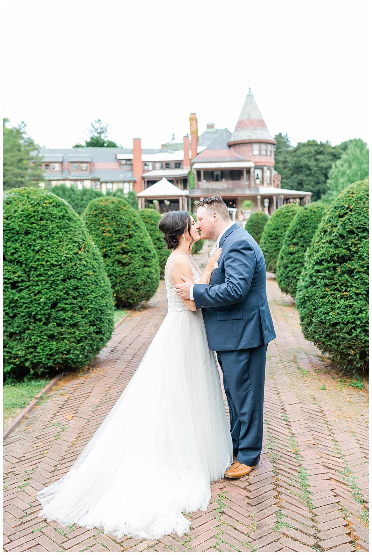 Rachel and Nick - Sonnenberg Gardens Wedding-441.jpg