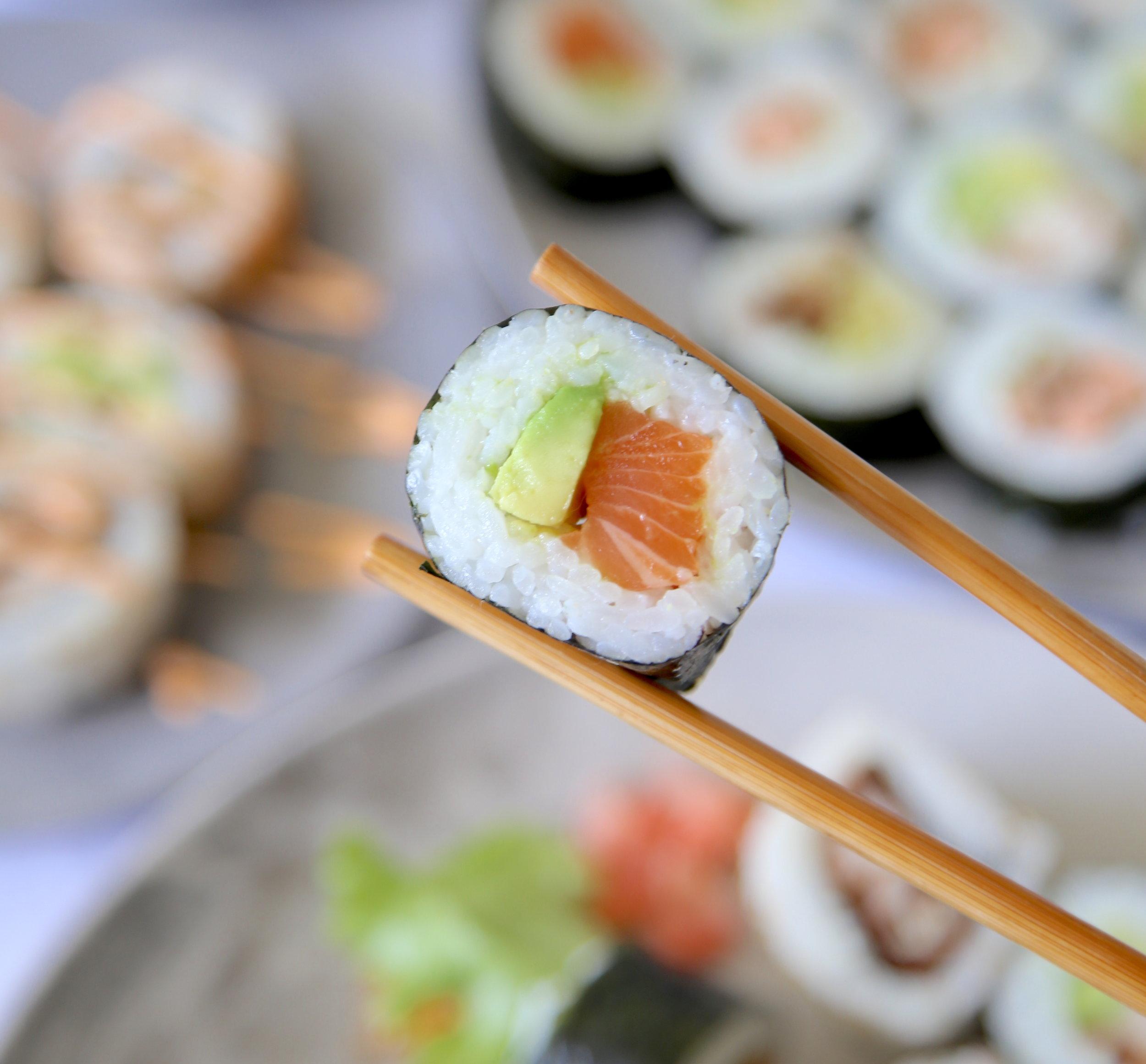 streetsushi-salmon-avocado.jpeg