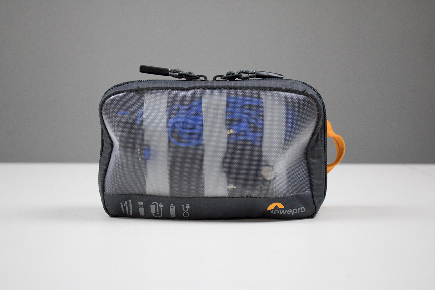 180201_Lowepro_GearUp_Pouch_Mini_1.jpg