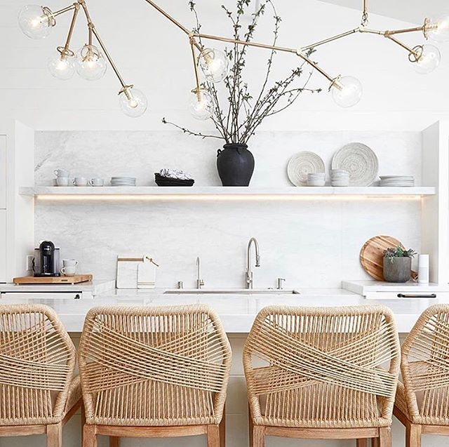 DREAM KITCHEN ALERT! What's not to love about this beautiful kitchen by @intimatelivinginteriors 🌿 this space oozes with elegance and the most loveliest of materials! Hands up if your crushing on this one as much as I am 👋
