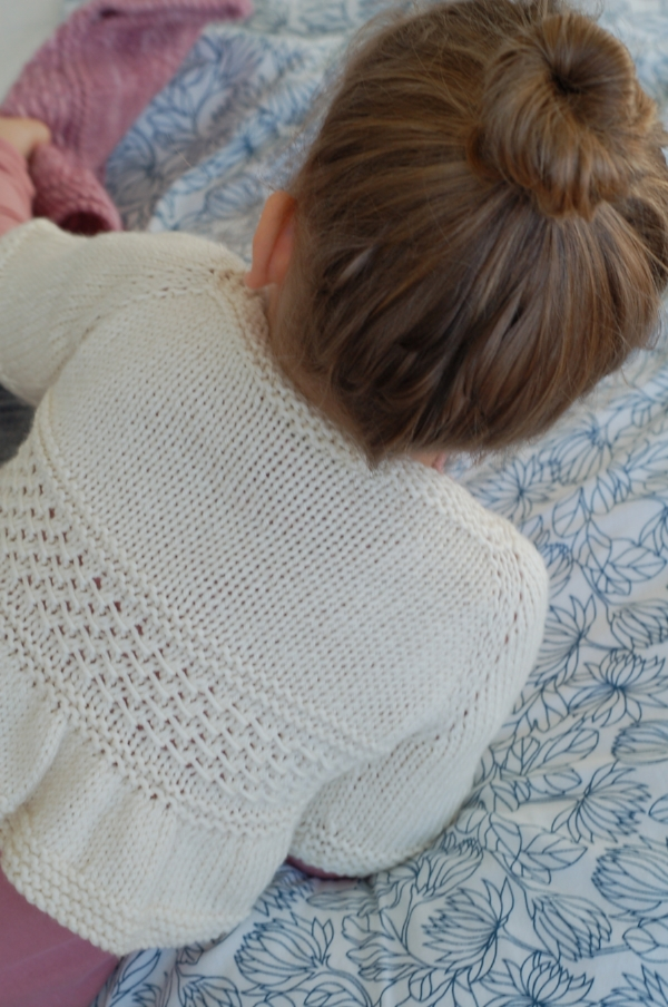 Entrechat knitting pattern (sleeve hack) by Frogginette Knitting Patterns