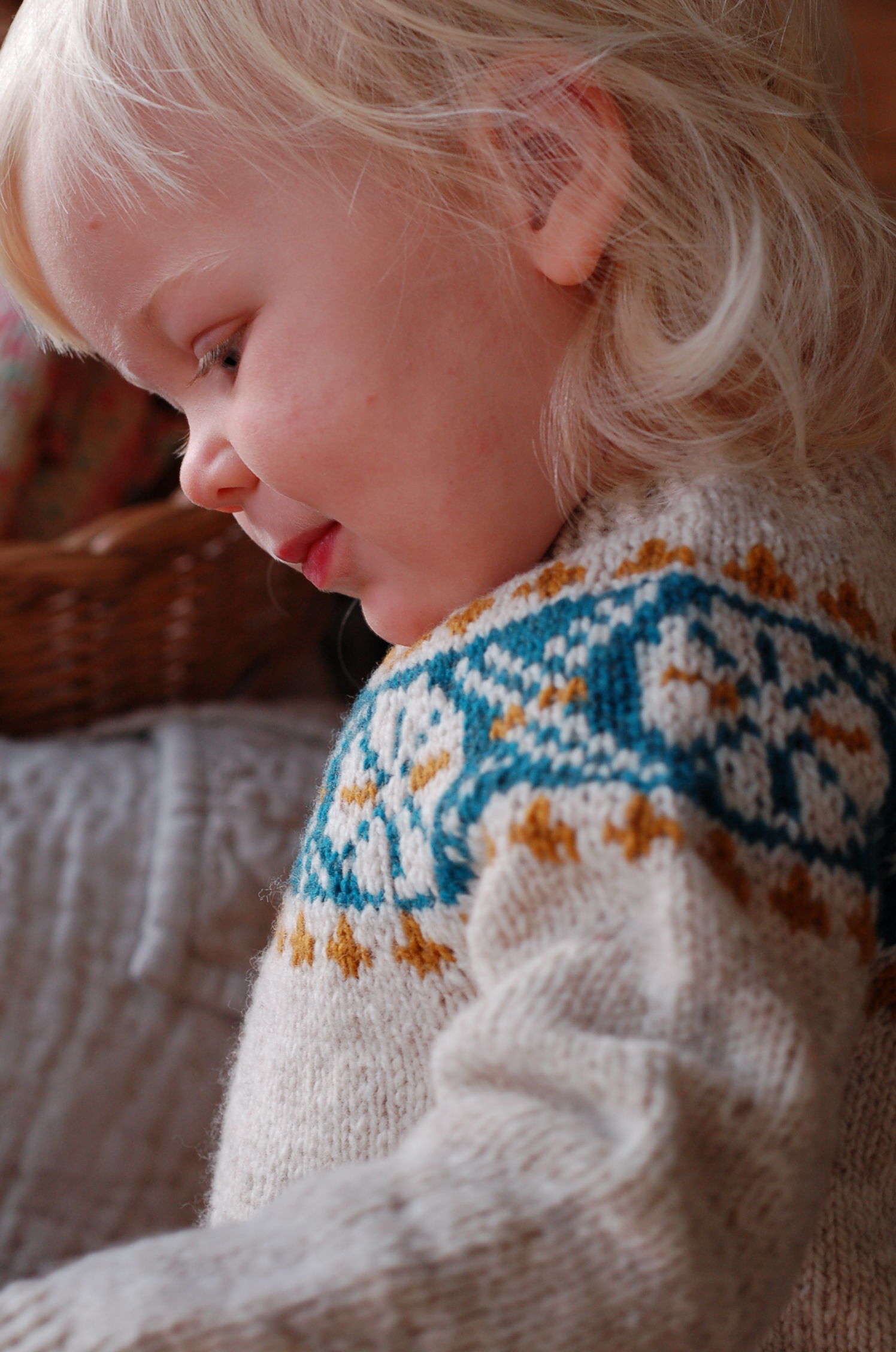 Crossroads (Child) by Frogginette Knitting Patterns